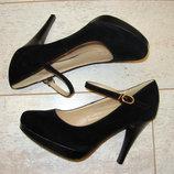 Туфли черные замшевые на каблуке