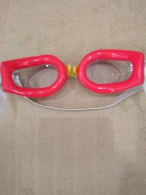 Продам новые очки для плавания.