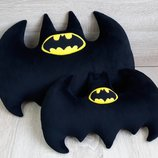 Мягкая игрушка-подушка Бэтмен эмблема бэтаранг, ручная работа