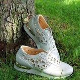 Мега роскошные кроссовки со стазами swarovski в наличии