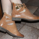 Шикарные ботинки ботиночки NEW LOOK р.40 ст 26