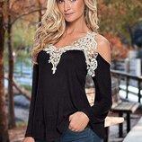 Свободная женская блуза-кофта Vest с кружевной окантовкой черная