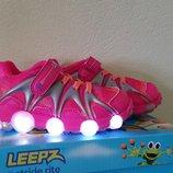 Кожаные LED кроссовки с мигалками для девочки Stride Rite Leepz Light Up кожа и сетка