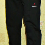 Коллекция летних спортивных штанов Reebok прямые, на манжете - синие, черные, светло-серые.