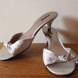 Босоножки шлепанцы на каблуке Kennet Cole Unlisted текстиль кожа 39 р