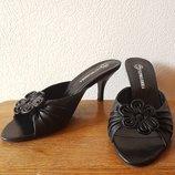 Кожаные босоножки шлепанцы на каблуке Терволина Tervolina 39 р практически новые 1 раз одеты