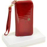 Красный кожаный лаковый женский кошелек Bretton