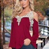 Блузка, кофта Vest с нежной кружевной окантовкой бордо
