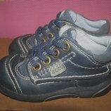 Кросівки повністю шкіряні брендові ECCO Оригінал р.22 стелька 14,5 см