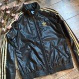 Брендовая ветровка-куртка от Adidas c капюшоном/черная с золотистым-S