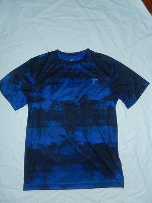 Спортивная футболка на 10-12 лет,140 см,состояние новой,Old Navy