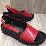 Босоножки женские кожаные Teona Red красные