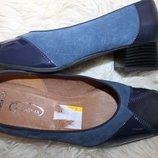 39 разм. Фирменные туфли Gerwinia. Кожа и замша Длина по внутренней стельке - 25,5 см., ширина подош