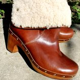 38 разм. Фирменные сапоги Ugg Australia Кожа и овчина Длина по внутренней стельке - 24,5 см., ширина