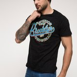 мужская футболка черная Facto / Де Факто с синей надписью на груди Brooklyn