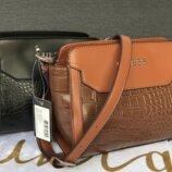 Стильные сумочки известного бренда GUESS