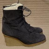 Теплые замшевые ботинки на высокой танкетке Excellent quality wear Голландия 40 р.