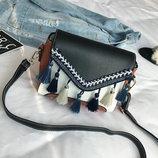 Милая женская сумка сундук с бубончиками В Наличии