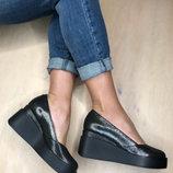 Туфли на мини плотформе из высоко клоасной кожи