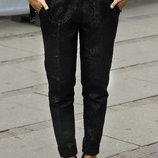 Зауженные укороченные брюки с орнаментом бойфренды летние Zara оригинал.