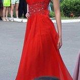 Шикарное платье на торжество р. XS