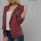 Эффектный пиджак с ассиметричной застёжкой и удлинённым передом 42-48р