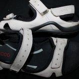 39 разм. Фирменные сандалии Ecco. Кожа. Made in Thailand Длина по внутренней стельке - 25,5 см., ши