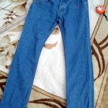 Красивые и модные джинсы от TopMan. Размер 32 R, будут л-xл. В идеальном состоянии, фасон скинни,