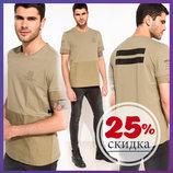 мужская футболка цвета хаки Facto / Де Факто на рукавах и спине с надписями