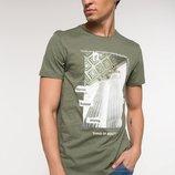 мужская футболка оливковая De Facto / Де Факто с рисунком на груди