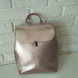 Красивый кожаный рюкзак-сумка трансформер , розовый с перламутром