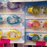 Очки для плавания и маски в наличии