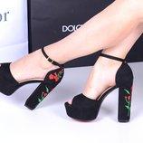 Женские замшевые босоножки чёрные, устойчивый каблук