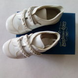 Zecchino D'oro.Италия.Туфли кожаные, белые, лаковые.