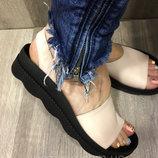 Босоножки женские кожаные пудра сатин