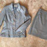 Костюм юбка и пиджак , классика, на S, M