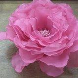 Очень красивая брошь из шифона авторская ручная работа, цветы из шифона