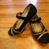 Замшевые туфельки на девочку
