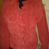 стильна червона курточка замша р42 Essentials