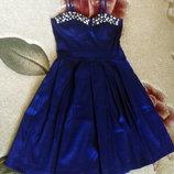 Boohoo Синее королевское платье. Размер М, европейский 38, английский 10. Верх украшен камнями. И