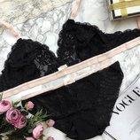 Соблазняющий и изящный комплект из мягчайшего кружева браллет в черно-розовом цвете