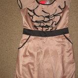 Вечерние выпускные платья бежевое платье с черной отделкой Lipsy