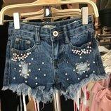 В наличии моднячие джинсовые шорты девочек-4-6лет