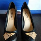 Туфли классные 38р по стельке 24,6-25см в носке очень удобные