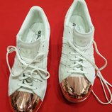 фирменные кроссовки Adidas superstar