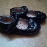 Туфли балетки лаковые Next размер 6 14,5-15 см кожа