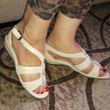 Босоножки кожаные footglove 37-38 размер