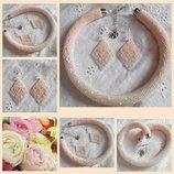 Комплект кремовая роза - жгут и серьги из бисера, ручная работа,серебро