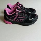 Фирменные детские кроссовки.