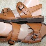 42-43 разм. на широкую стопу сандалии кожа Длина по внутренней стельке - 28,5 см., ширина подошвы -